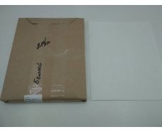 Бумага жиронепроницаемая белая  ф. 280х350 мм плотность 40 г / м2 (1 пачка)