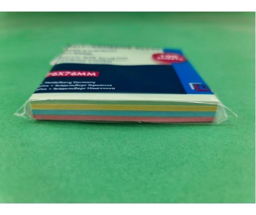 Блок для записей .проклеенный. цветной. размер 76*76мм 100листов (1 пач)