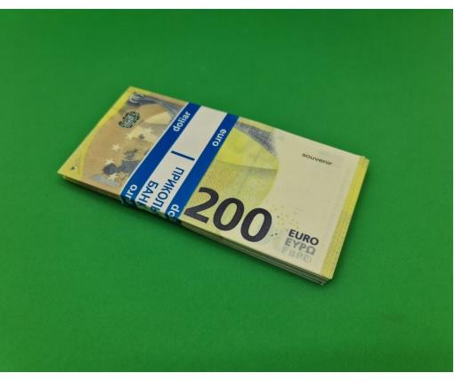 Деньги сувенирные подарочные 200 евро (1 пач)
